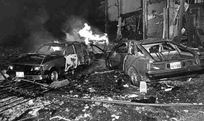 attaque_a_la_voiture_piegee_du_pcp_a_lima_rue_tarata_dans_le_quartier_chic_de_miraflores_1992.jpg