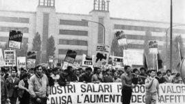 cortege_quittant_l_usine_fiat_de_turin_1969.jpg