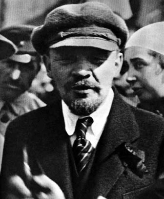 la_revolution_russe_lenine_face_a_la_petite_production_.jpg