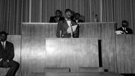 patrice_lumumba_discours_d_independance_du_congo_le_30_juin_1960_a_leopoldville.jpg
