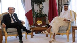 Francois Hollande et l'émir du Qatar cheikh Tamim ben hamad al-thani le 4 mai 2015 à Doha
