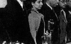 Irène Falcon et Vincente Uribe (PCE) lors d'un meeting à Moscou en 1940
