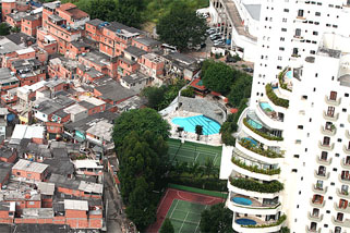 Ghetto de riches et Favelas à Sao Paolo