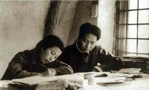 Mao Zedong et sa femme Jiang Qing, qui jouera un rôle très important durant la Grande Révolution Culturelle Prolétarienne