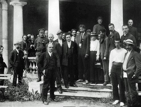 Des délégués du second congrès, Lénine au premier plan
