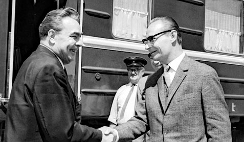 Léonid Brejnev et Alexander Dubček à Čierna nad Tisou