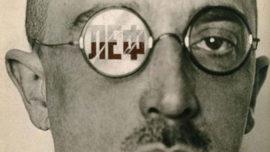Portrait d'Ossip Brik par Alexandre Rodtchenko. Sur le verre, on lit les lettres LEF.