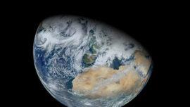 Image synthétisée de la Terre, en 2012, à partir des données du satellite Suomi NP de la NASA.