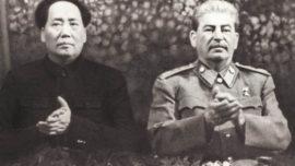 Mao Zedong et Staline, deux figures éminentes du matérialisme dialectique.