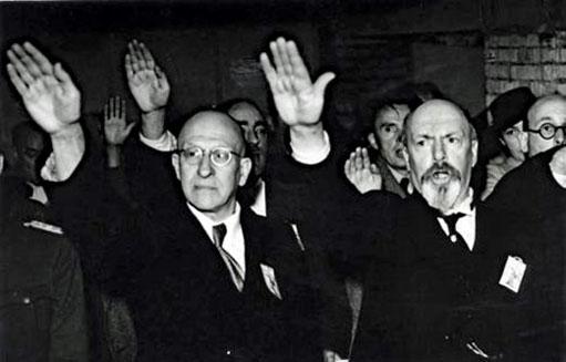 Frans Daels - autre collabo notoire - et Auguste Borms (a droite sur la photo) durant le Pèlerinage de l'Yser en août 1941