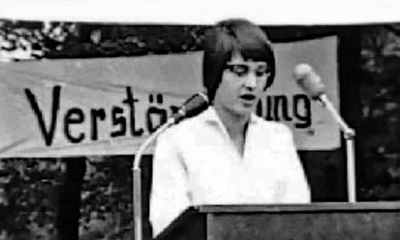 20 mai 1958 : première brève prise de parole publique de Ulrike Meinhof à Münster lors d'un rassemblement d'opposants aux armes nucléaires